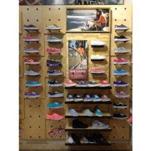 Kệ trưng bày giày dép GD035